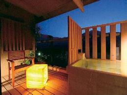 季の湯 雪月花の客室露天風呂