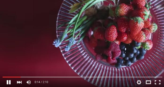 フルーツとお花のケーキ1